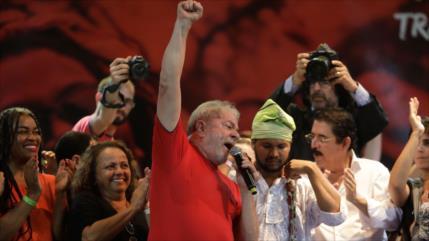 Lula se mantiene firme para poder 'recuperar democracia' en Brasil