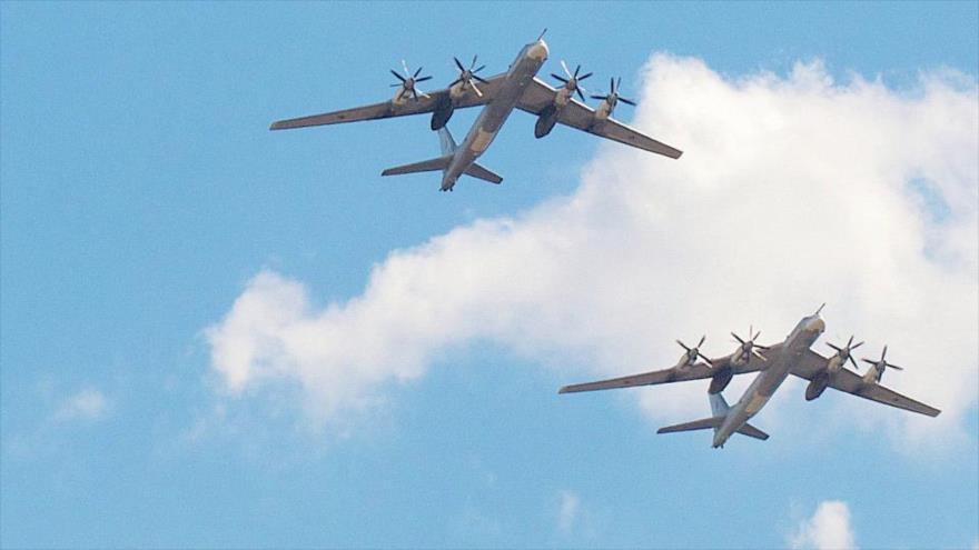 Seúl dice haber interceptado dos 'bombarderos' rusos en su cielo