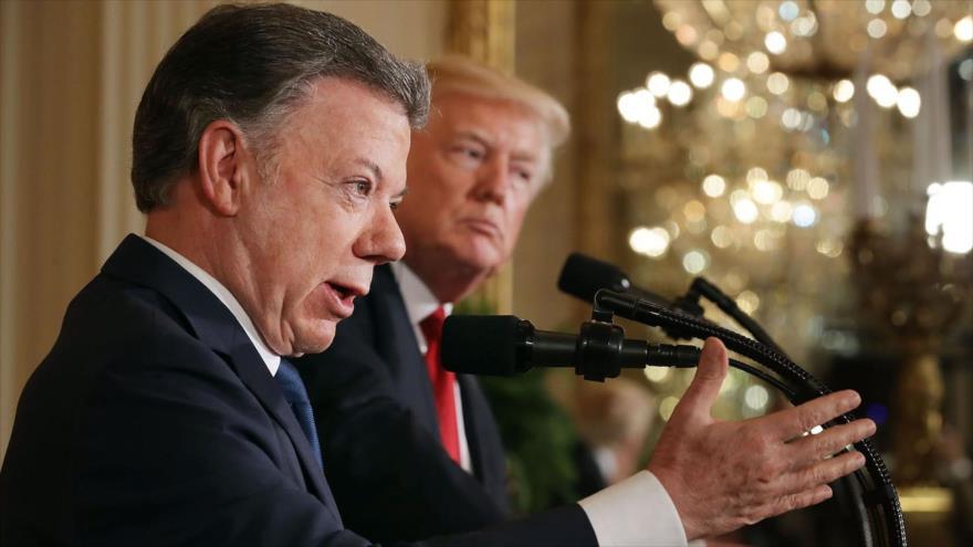 O presidente da Colômbia, Juan Manuel Santos (à esquerda), e seu homólogo dos EUA, Donald Trump, na Casa Branca, em 18 de maio de 2017.