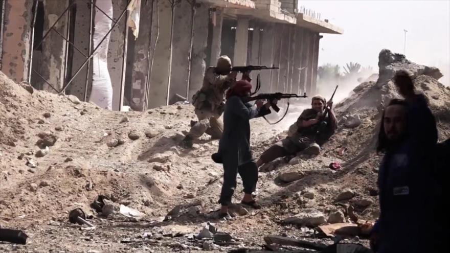 Integrantes del grupo terrorista EIIL (Daesh, en árabe) en la provincia de Deir Ezzor.
