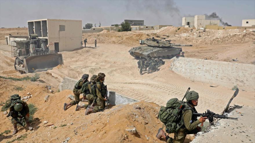Las fuerzas de guerra del régimen israelí durante un ejercicio militar en los territorios ocupados, 3 de julio de 2018.