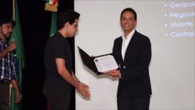 El mundo académico vuelve a reconocer a presentador de HispanTV