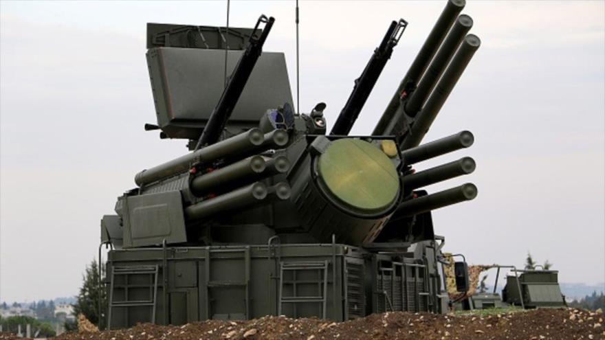 Sistemas de defensa aérea Pantsir-S1de Rusia desplegados en la base aérea de Hmeimim en la provincia siria de Latakia.
