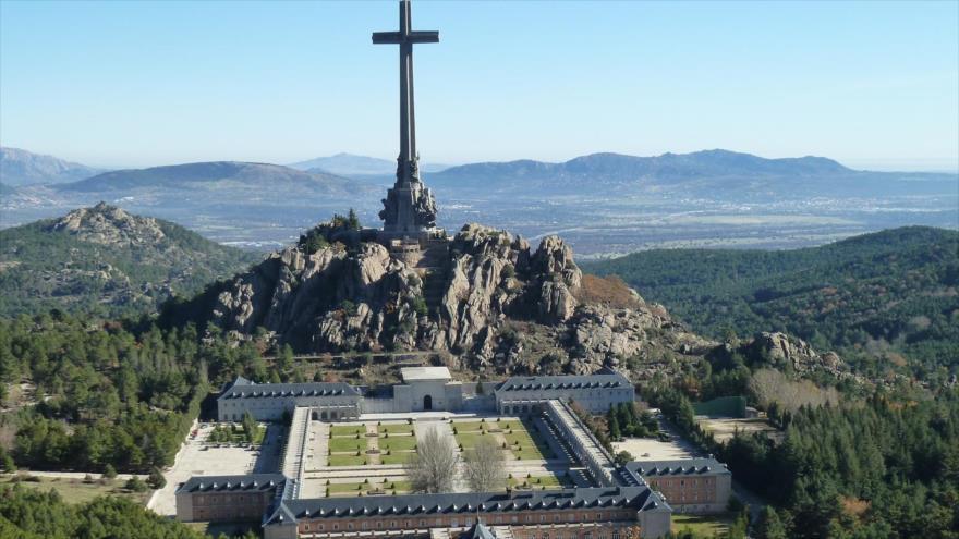 El Gobierno español duda que se pueda exhumar a Franco en julio