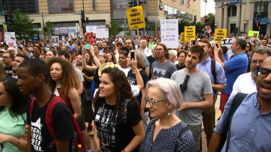 Ciudadanos estadounidenses se movilizan contra redadas de ICE