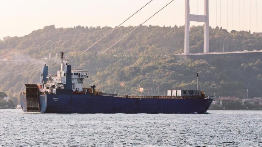 Fotos: Otro buque ruso lleno de equipos militares llega a Siria