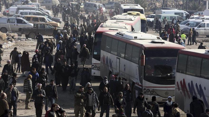 Siria evacúa a habitantes de 2 aldeas sitiadas por terroristas en Idlib