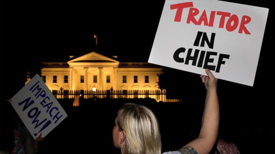Protesta anti-Trump ante la Casa Blanca por su cumbre con Putin
