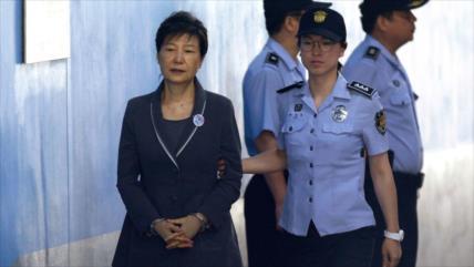 Dictan otros ocho años de cárcel para expresidenta surcoreana
