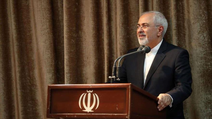 El ministro iraní de Exteriores, Mohamad Yavad Zarif, habla en una reunión en Teherán (capital), 21 de julio de 2018.