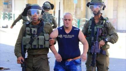 Soldados israelíes atacan a joven palestino con síndrome de Down