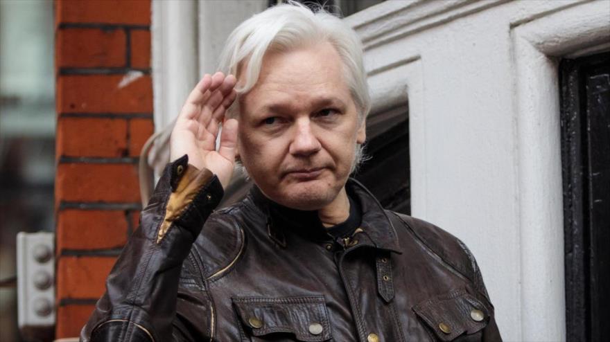 El fundador de Wikileaks, Julian Assange, en la embajada de Ecuador en Londres, capital británica, 19 de mayo de 2017.