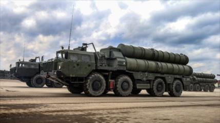 'Catar compra una gama de armas rusas y negocia entrega de S-400'