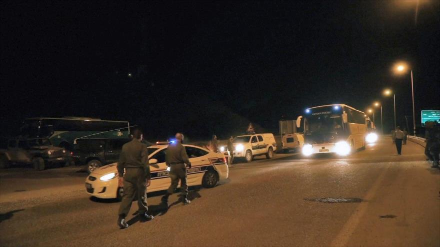 """Siria condena evacuación """"criminal"""" de Cascos Blancos por Israel"""