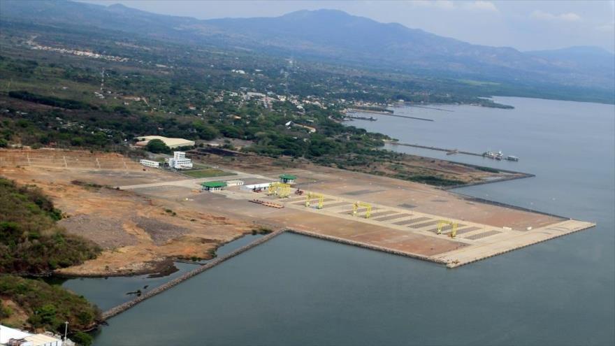 Imagen aérea del puerto marítimo de La Unión, ubicada en El Salvador y a las orillas del océano Pacífico.