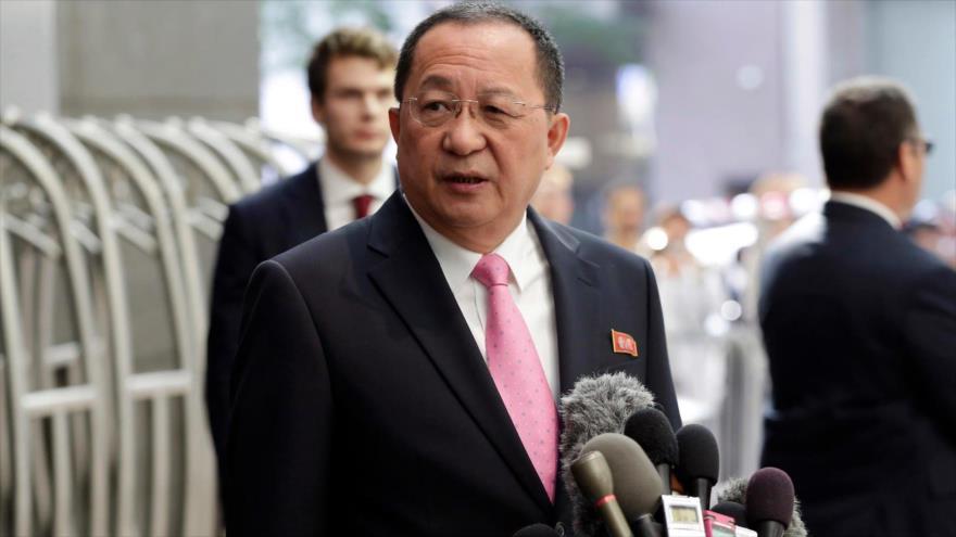 El ministro de Exteriores de Corea del Norte, Ri Yong Ho.