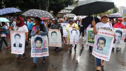 Demandan una Comisión de la Verdad por el caso Ayotzinapa