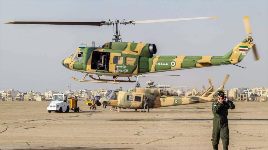 Helicópteros de la Unidad Aérea de la Fuerza Terrestre del Ejército de Irán durante un ejercicio militar.