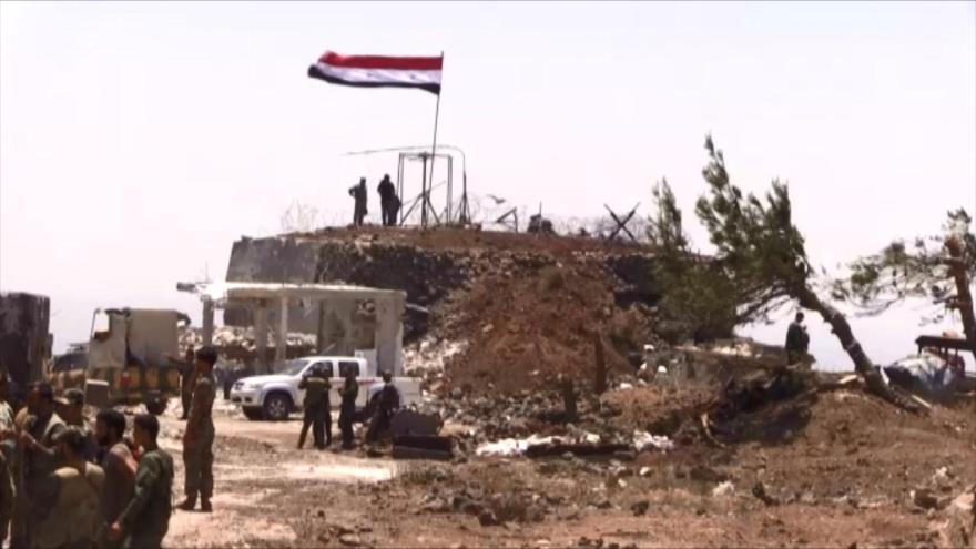 Ejército Sirio iza bandera nacional a metros del Golán ocupado