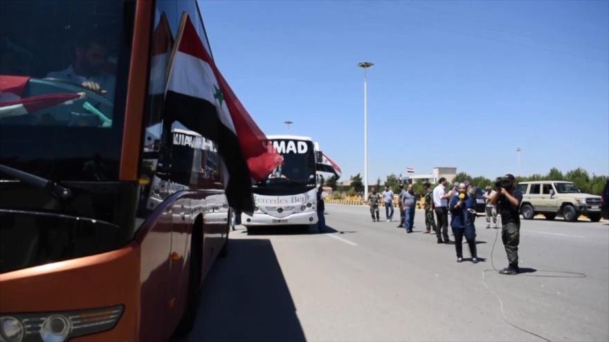Varios grupos de refugiados sirios en El Líbano vuelven a su país