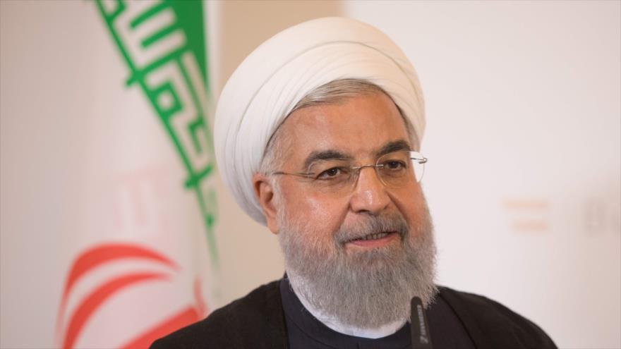 El presidente iraní, Hasan Rohani, habla durante una conferencia de prensa en Viena, la capital de Austria, 4 de julio de 2018.