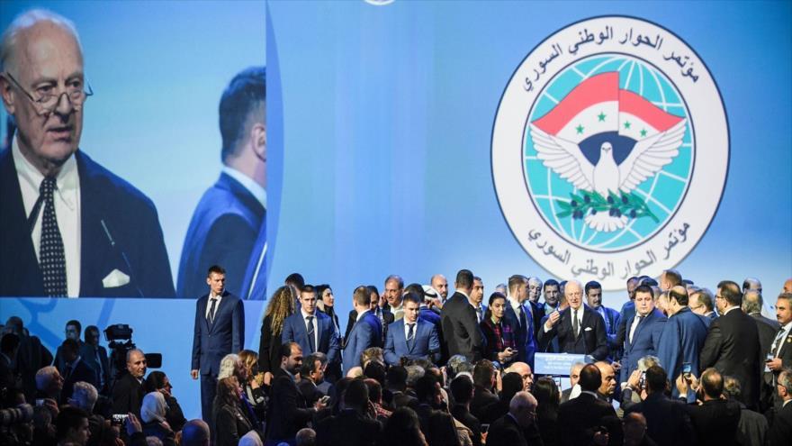 Negociaciones en Sochi se centran en reforma constitucional siria