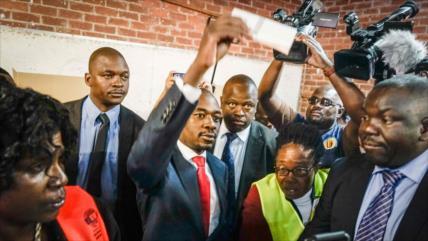 Líder opositor de Zimbabue se ve ganador de presidenciales