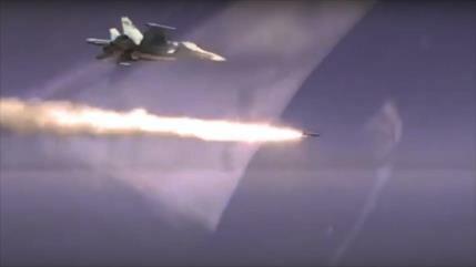 Vídeo: Avión ruso Su-34 bombardea buque con misiles Kh-31