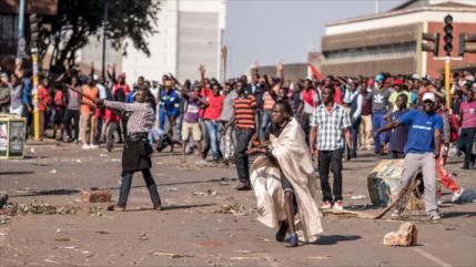 Aumenta la tensión en Zimbabue tras celebración de comicios