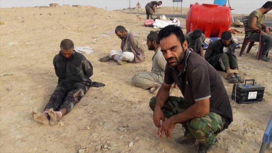 Vídeo: Ejército sirio captura a más de 200 terroristas de Daesh