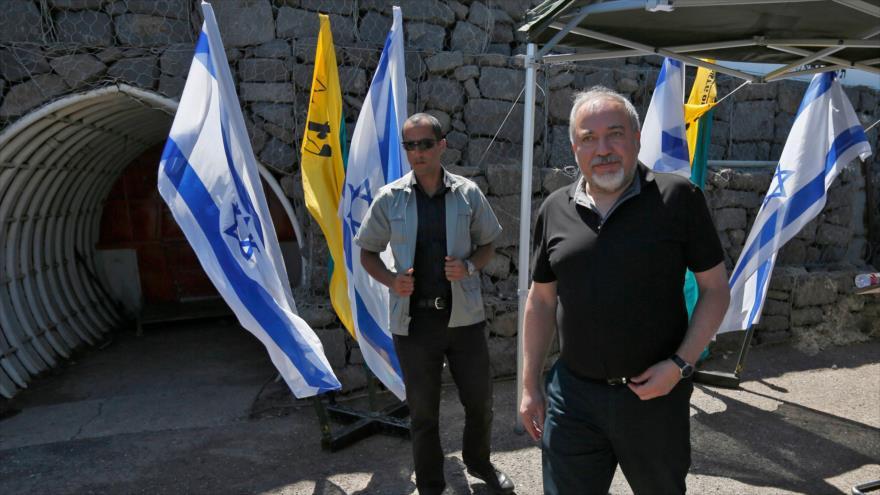 El ministro israelí de asuntos militares, Avigdor Lieberman, en los altos del Golán ocupado, 10 de julio de 2018.