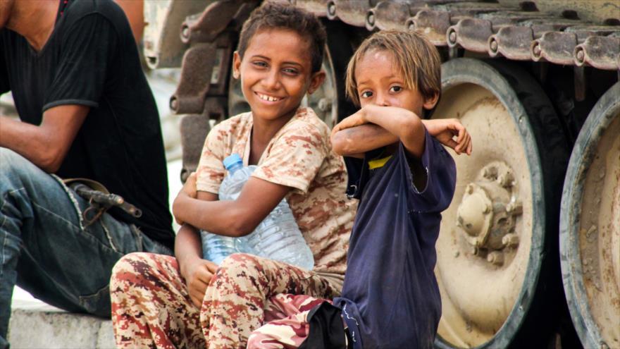 Save the Children: unos 3000 niños huyen a diario de Al-Hudayda