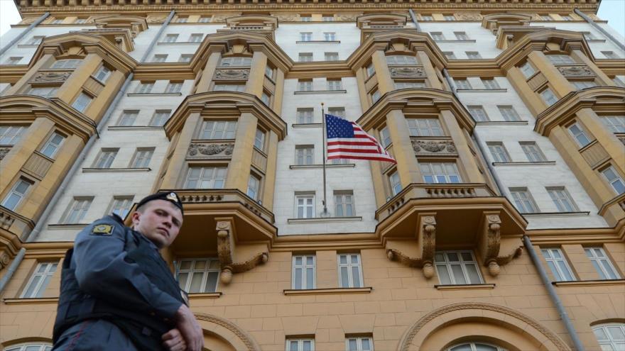 'Una espía rusa trabajó 10 años en embajada de EEUU en Moscú'