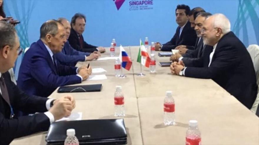 Zarif y Lavrov abordan el pacto nuclear iraní y la crisis siria