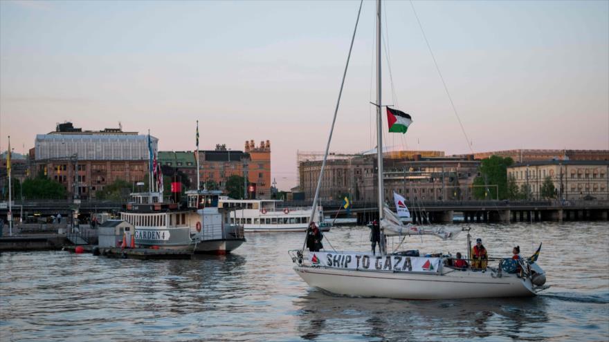 Un barco de ayuda humanitaria hacia Gaza deja Estocolmo, capital de Suecia, 15 de mayo de 2018.