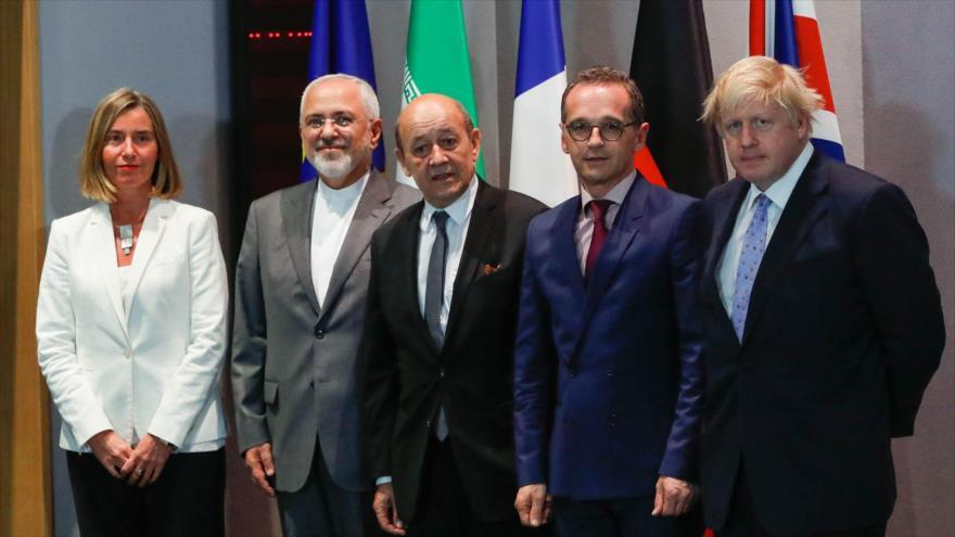 Informe: EEUU acusa a Irán de terrorismo para alejar a Europa de Teherán