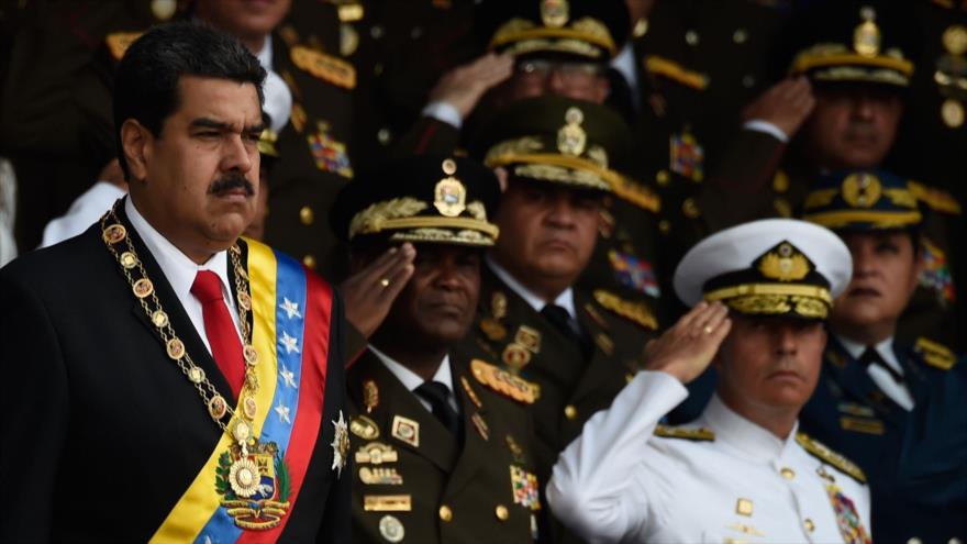 El presidente de Venezuela, Nicolás Maduro, instantes antes de que se produjera un atentado en su contra en Caracas. Fuente: AFP