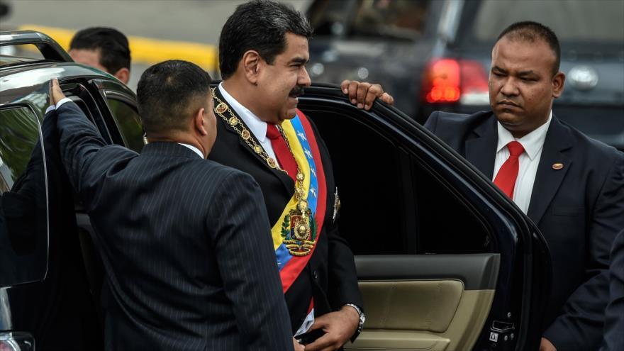 El presidente de Venezuela, Nicolás Maduro, asiste a una ceremonia en Caracas (capital), 4 de agosto de 2018. Foto: AFP