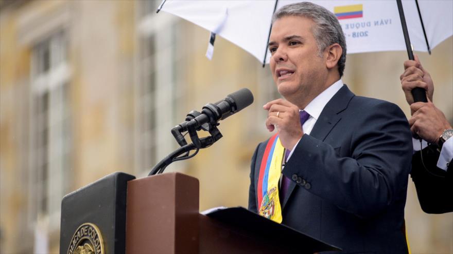 """Duque anuncia """"correctivos"""" a pacto con FARC y desafía a ELN"""