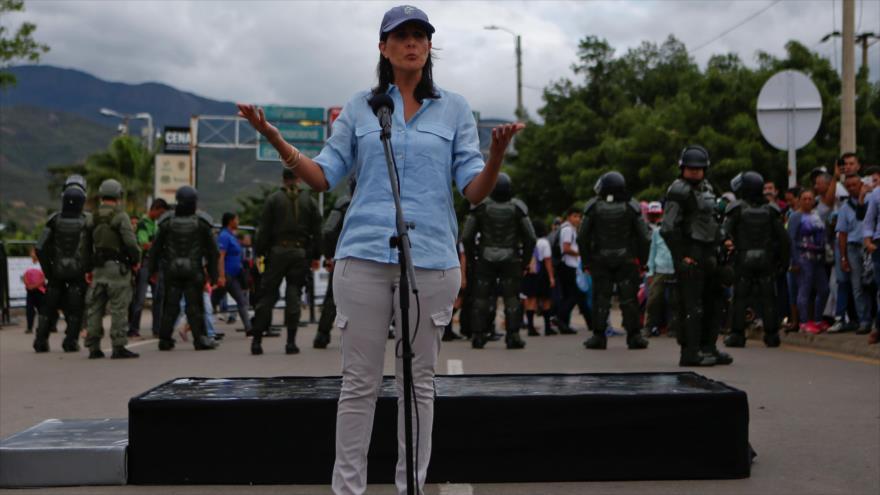 La embajadora de Estados Unidos ante la ONU, Nikki Haley, en un paso fronterizo entre Colombia y Venezuela, 8 de agosto de 2018. Foto: Reuters