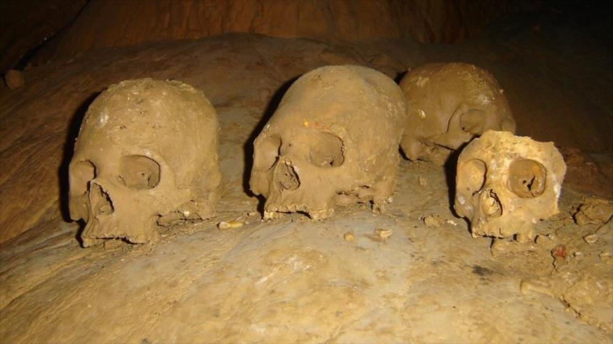 Restos humanos de la caverna mortuoria de Puyil, situado en el municipio de Tacotalpa, en México. (Foto: INAH)