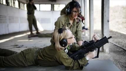 Soldados israelíes dan espalda a su superior por ser una mujer