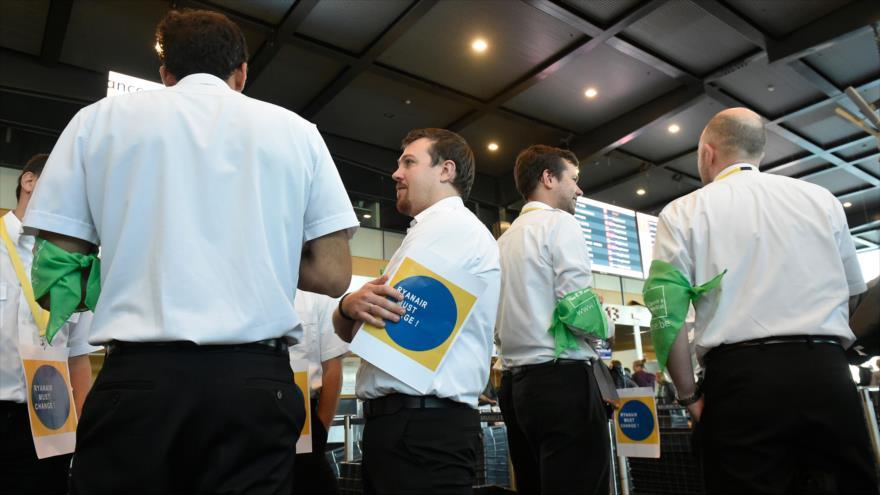 Huelga de pilotos de Ryanair deja 55 mil pasajeros en tierra