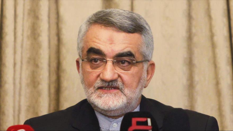 Alaeddin Boruyerdi, un miembro de la Comisión de Seguridad Nacional y Política Exterior del Parlamento iraní.