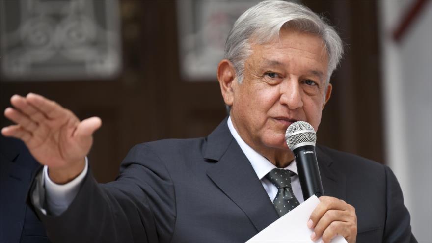 López Obrador anuncia planes contra corrupción y avivar bienestar