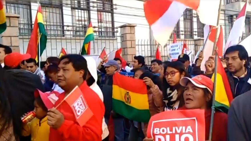 Morales celebra su récord en el poder y el crecimiento económico