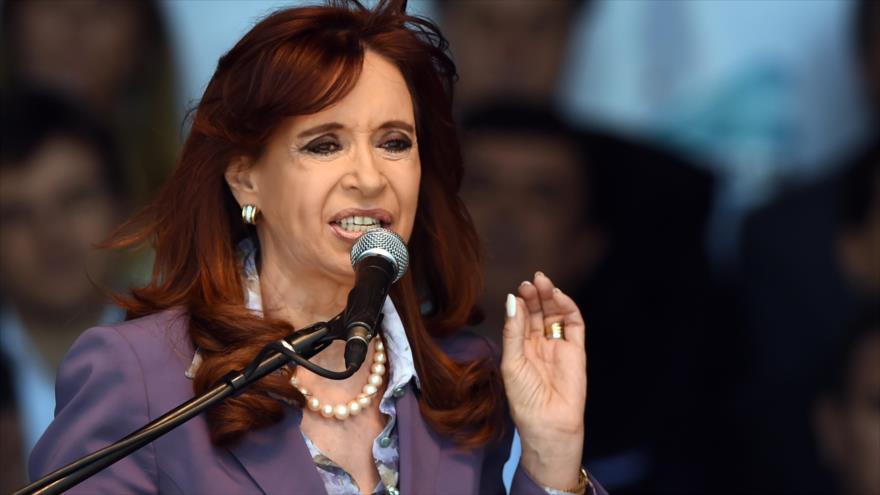 Cristina involucró a Macri y dice que es