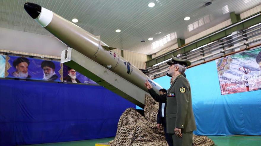 Irán presenta un nuevo misil balístico, probado con 'éxito'