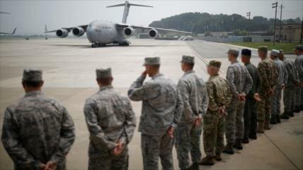 Trump firma ley que limita reducción de tropas en Corea del Sur