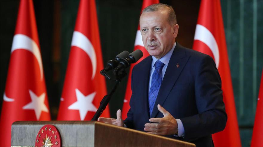El presidente turco, Recep Tayyip Erdogan, ofrece un discurso en Ankara, 13 de agosto de 2018 (Foto: AFP).